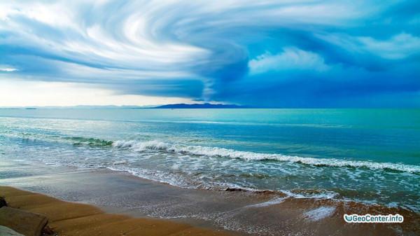 Тайфун Лионрок ударил по Японии и приближается к Приморью