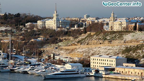 Крым замело снегом