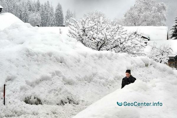 В Сербии из-за мороза и снегопадов был введен режим ЧС