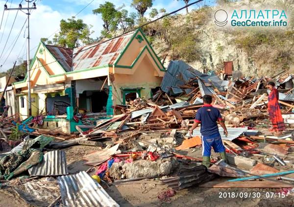 Последствия цунами в Индонезии, октябрь 2018