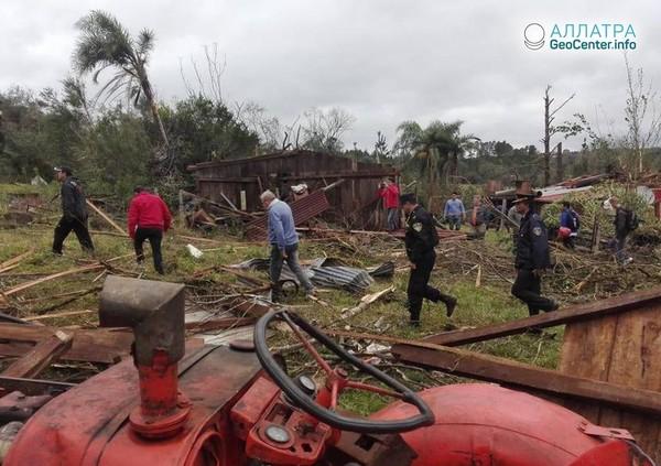 Торнадо и аномально крупный град в Бразилии, июнь 2018 г.