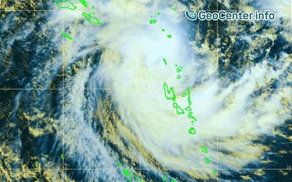 На северные острова Вануату тропический циклон «Донна» обрушил дожди и ураганный ветер, май 2017