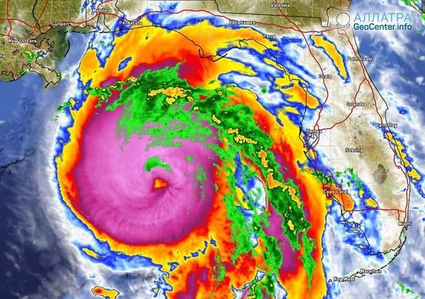 """Усиление урагана """"Майкл"""", приближающегося к Флориде (США), октябрь 2018 г."""