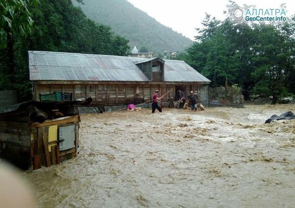 Наводнение в Иране, октябрь 2018 г.