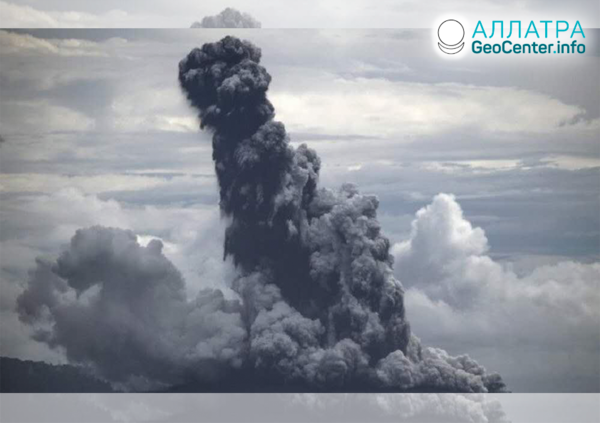 Erupcia sopky v Indonézii, apríl 2020