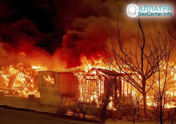 Lesné požiare v Severnej i Južnej Amerike, august 2020