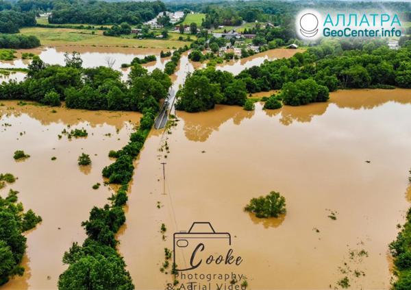 Záplavy a anomální krupobití v USA, červen 2019