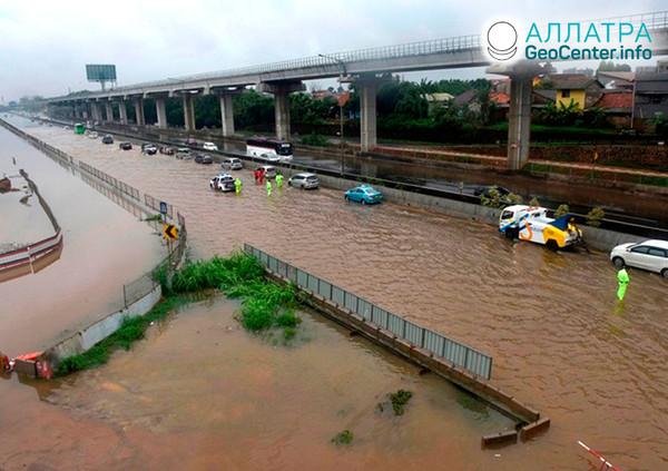 Наводнение в Джакарте (Индонезия), январь 2020