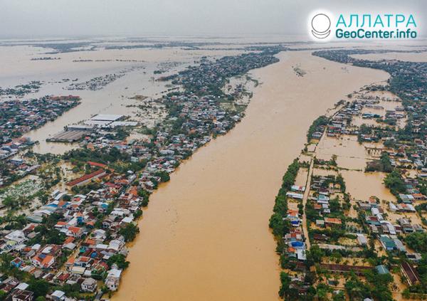 Наводнения и оползни, начало октября 2020