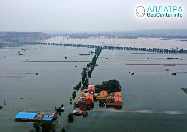 Наводнения и оползни в начале октября 2021