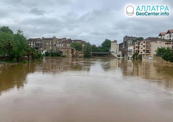 Záplavy a zosuvy v krajinách sveta, máj 2020