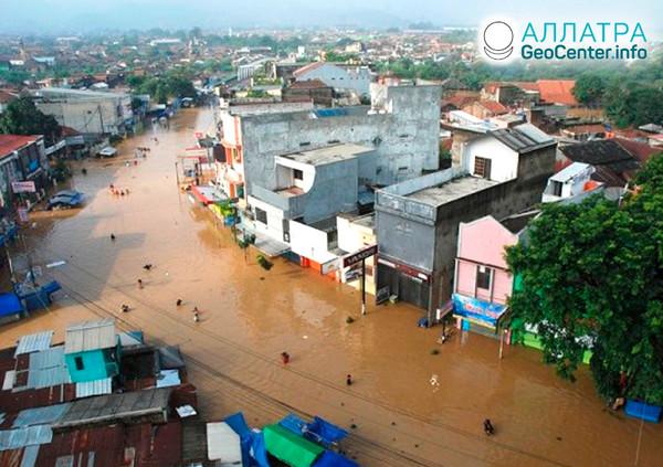 Povodně na indonéském ostrově Sulawesi, červen 2019