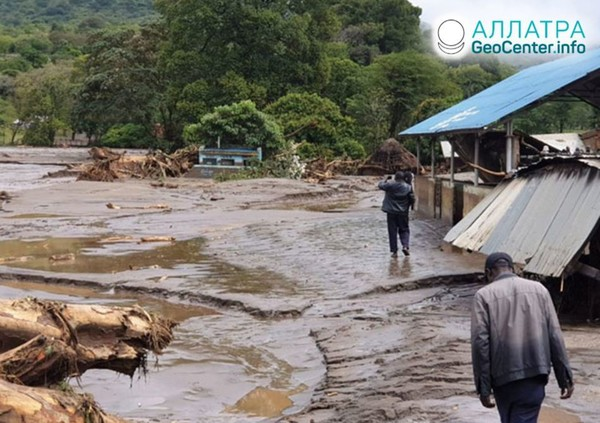Záplavy a zosuvy vo východnej Afrike, december 2019