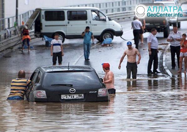 Silný dážď v Soči (Rusko), august 2019
