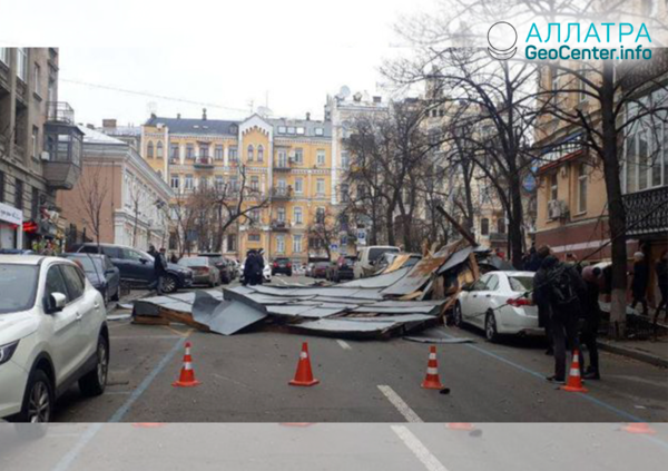 Сильный ветер в Украине, март 2019