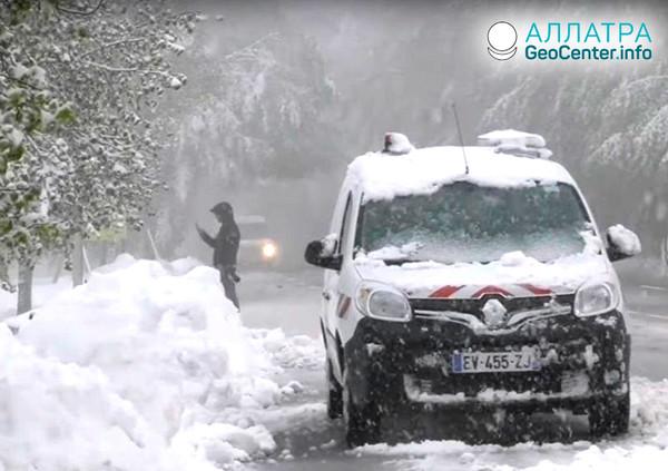 Снегопады в Европе, май 2019