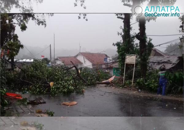 Торнадо в Индонезии, декабрь 2018